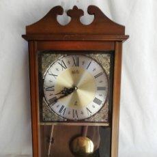 Relojes de pared: RELOJ DE PARED MANUAL EN MADERA CON PEDULO II. MARCA JAZ. MADE IN JAPAN.. Lote 173897415