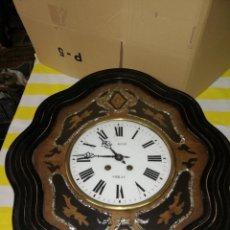 Relojes de pared: ANTIGUO RELOJ OJO DE BUEY SIGLO XIX INCRUSTACIONES DE NÁCAR. Lote 174057459