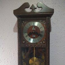 Relojes de pared: RELOJ ( BUSCADO DE PARED MARCA ( LAVA- 31 DAY ), DE CARGA MANUAL ,FUNCIONANDO. MÁS RELOES EN PERFIL. Lote 174097007