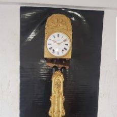 Relojes de pared: RELOJ MOREZ ANTIGUO DE CAMPANA PÉNDULO REAL CASI A ESTRENAR EN ORO FINO AL MERCURIO FUNCIONA MIRA. Lote 174296023