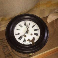 Relojes de pared: ANTIGUO RELOJ REDONDO!MUY BONITO!. Lote 174407383