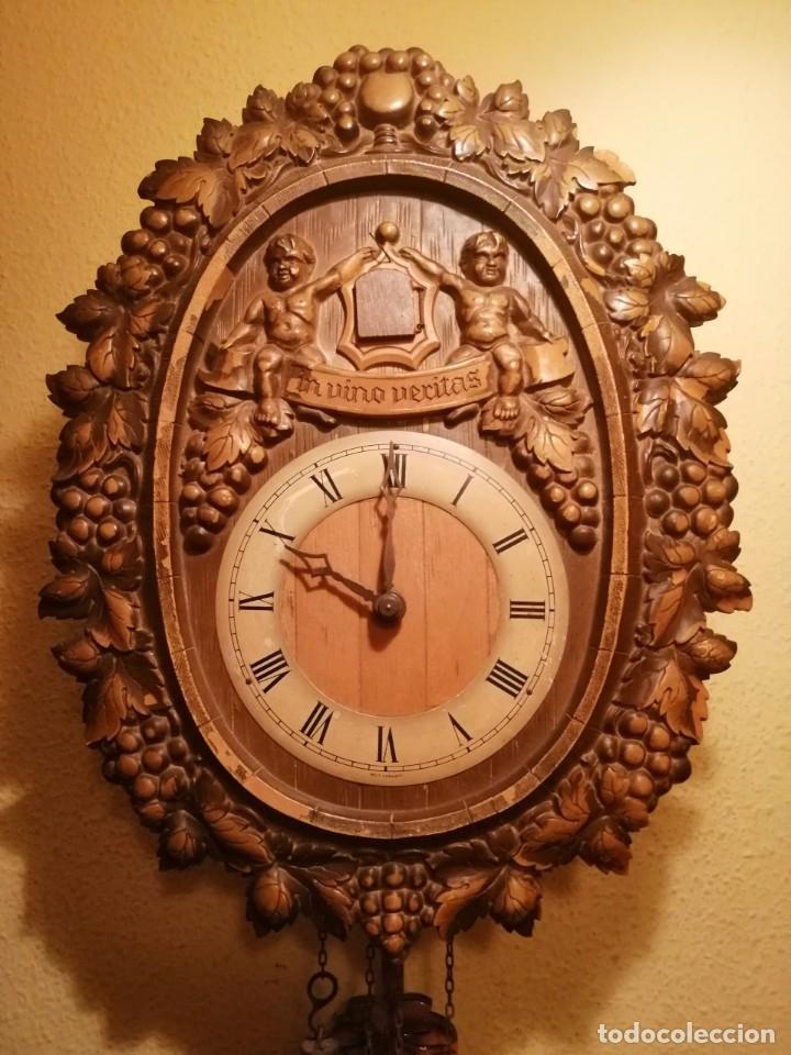 Relojes de pared: RELOJ CUCU-CUCO IN VINO VERITAS .MADE IN WEST GERMANY. MECÁNICO Y FUNCIONANDO. - Foto 2 - 175342258