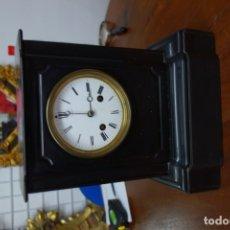 Relojes de pared: RELOJ DE MÁRMOL FINALES DEL SIGLO XIX FUNCIONA CORRECTAMENTE. Lote 175764812