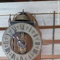 Relojes de pared: ANTIGUO RELOJ PARED TEMPUS FUGIT. Lote 176590580