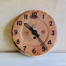 Relojes de pared: ANTIGUO RELOJ MECÁNICO DE PARED CON MÁQUINA MECANICA DE CUERDA JAPY. Lote 176667540