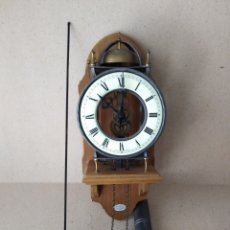 Relojes de pared: RELOJ DE PARED ( TEMPUS FUGIT) FUNCIONA. Lote 176782328
