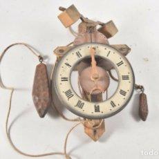 Relojes de pared: ANTIGUO RELOJ EN MADERA ESQUELETO FIRMADO FABRICADO EN ALEMANIA SELVA NEGRA FUNCIONANDO. Lote 176785099