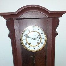 Relojes de pared: RELOJ PARED CON SONERIA CERCA 1900 PRECIOSO. Lote 178182371