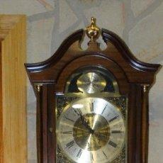 Relojes de pared: RELOJ CARRILLÓN DE PIE MADERA DE CAOBA. Lote 178963252