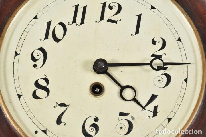 Relojes de pared: ANTIGUO RELOJ OJO DE BUEY Pp. XIX CHAPA PENDULO RAREZA FUNCIONANDO FABRICADO ALEMANIA 30 CM DIAMETRO - Foto 5 - 179208700