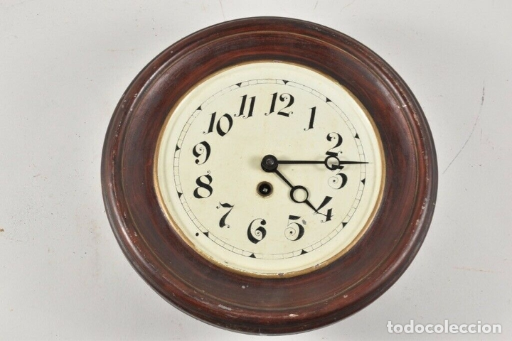 ANTIGUO RELOJ OJO DE BUEY PP. XIX CHAPA PENDULO RAREZA FUNCIONANDO FABRICADO ALEMANIA 30 CM DIAMETRO (Relojes - Pared Carga Manual)