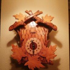 Relojes de pared: RELOJ CUCU-CUCO.HECHO EN LA ANTIGUA UNIÓN SOVIÉTICA (CCCP). MECÁNICO.. Lote 179336665