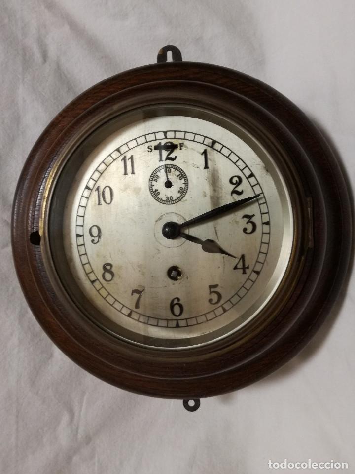 ANTIGUO RELOJ DE PARED INGLES - TIPO BARCO OJO DE BUEY REDONDO - CON LLAVE (FUNCIONANDO) (Relojes - Pared Carga Manual)