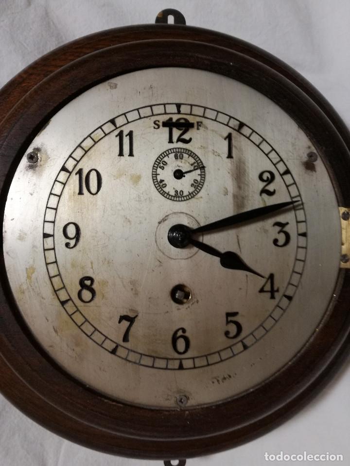 Relojes de pared: ANTIGUO RELOJ DE PARED INGLES - TIPO BARCO OJO DE BUEY REDONDO - CON LLAVE (FUNCIONANDO) - Foto 2 - 179539361