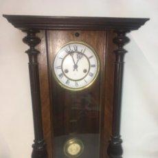 Relojes de pared: ANTIGUO RELOJ ESTILO ALFONSINO EN MADERA TODO ORIGINAL. Lote 180098430