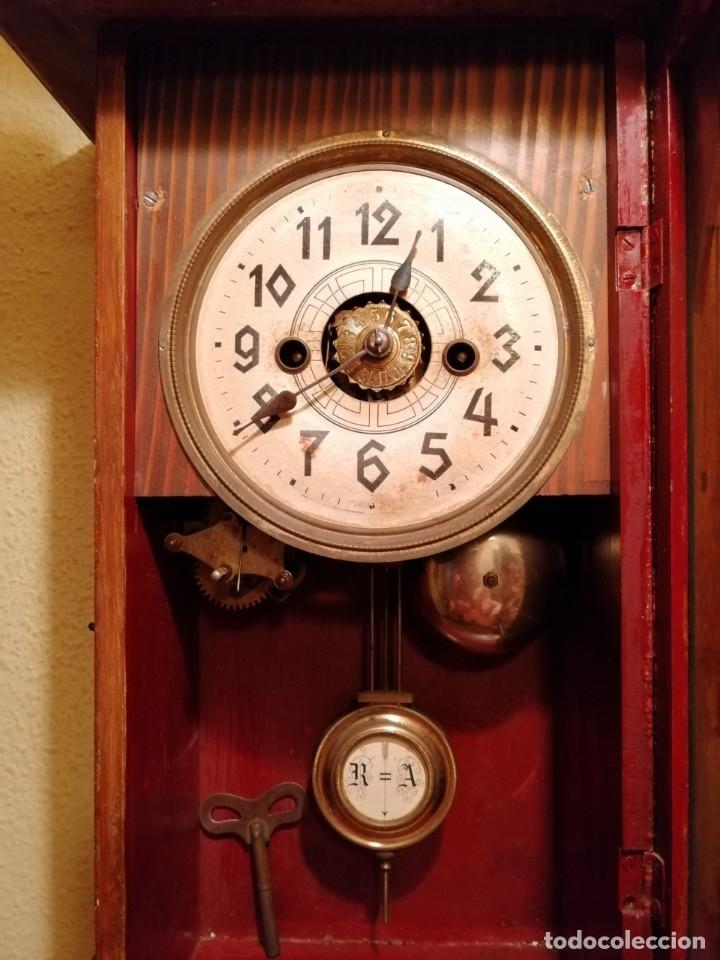 Relojes de pared: ANTIGUO RELOJ DE PARED CON ALARMA-DESPERTADOR. MECÁNICO Y FUNCIONANDO. - Foto 8 - 180139091