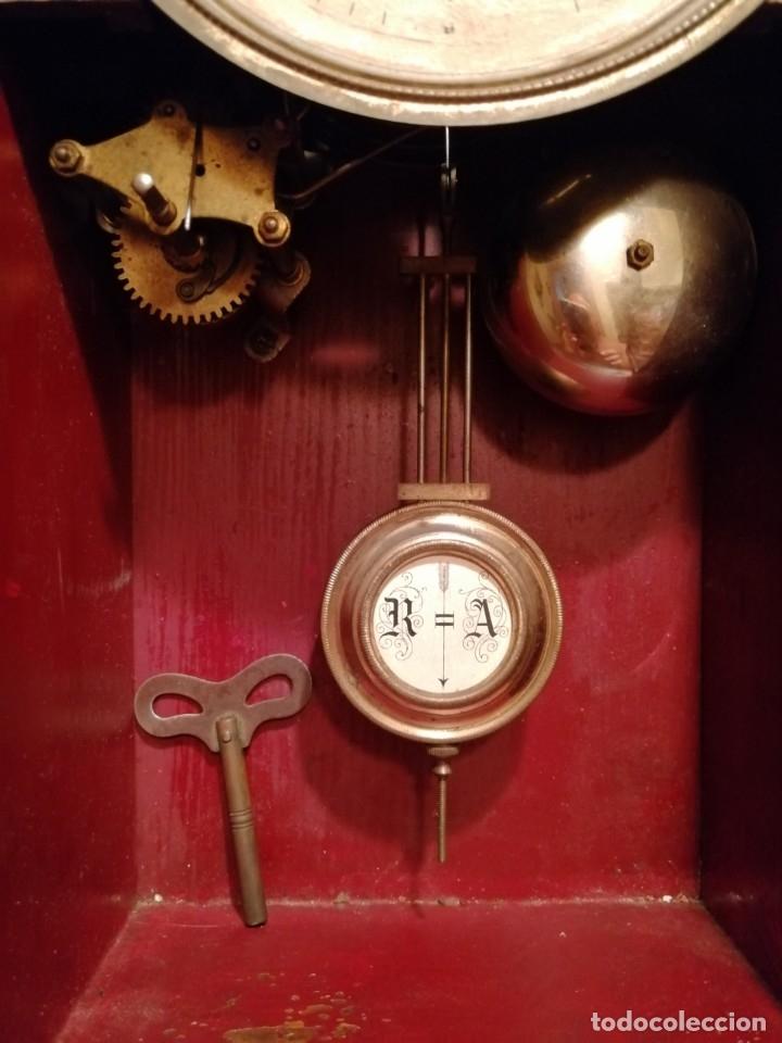 Relojes de pared: ANTIGUO RELOJ DE PARED CON ALARMA-DESPERTADOR. MECÁNICO Y FUNCIONANDO. - Foto 9 - 180139091
