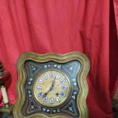 Relojes de pared: IMPRESIONANTE RELOJ OJO DE BUEY CON LA ESFERA DE ALABASTRO INCRUSTACIONES DE NÁCAR SIGLO XIX. Lote 180271766
