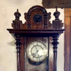 Relojes de pared: ANTIGUO RELOJ DE PARED. Lote 181037102