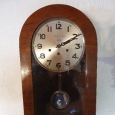 Relojes de pared: RELOJ DE PARED DE NOGAL CARLOS THEM CADIZ. Lote 181075461