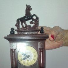 Relojes de pared: PEQUEÑO RELOJ DE PARED FABRICADO EN ALEMANIA. Lote 179232058