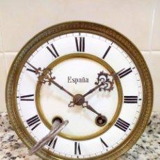 Relojes de pared: ANTIGUO RELOJ MARCA ESPAÑA SOLO MAQUINARIA DE BRONCE Y ESFERA DE PORCELANA.NÚMEROS ROMANOS.. Lote 181591803