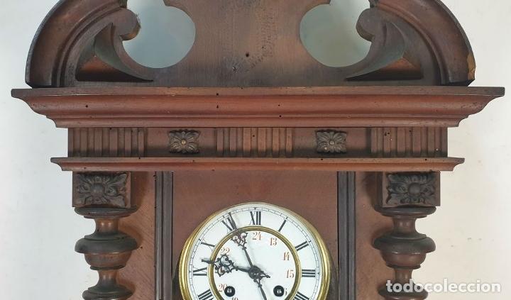 Relojes de pared: RELOJ DE PARED. MADERA. ESTILO ALFONSINO. MAQUINARIA SUIZA. SIGLO XIX-XX. - Foto 4 - 182265856