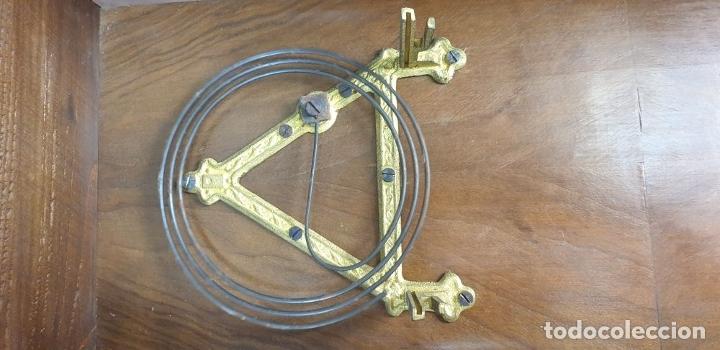 Relojes de pared: RELOJ DE PARED. MADERA. ESTILO ALFONSINO. MAQUINARIA SUIZA. SIGLO XIX-XX. - Foto 22 - 182265856