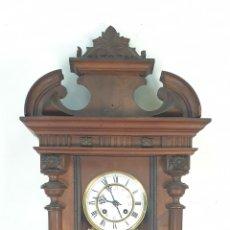Relojes de pared: RELOJ DE PARED. MADERA. ESTILO ALFONSINO. MAQUINARIA SUIZA. SIGLO XIX-XX.. Lote 182265856