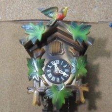Relojes de pared: RELOJ DE CUCO MECANICO DE CONTADERA – MADERA TALLADA. Lote 182313202