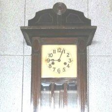 Relojes de pared: RELOJ DE PARED, SONERIA MEDIAS Y HORAS, AÑOS 40. MED. 29 X 14,50 X 80 CM. Lote 182508251