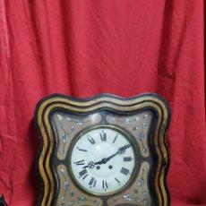 Relojes de pared: PRECIOSO RELOJ OJO DE BUEY ANTIGUO CON NÁCAR SIGLO XIX. Lote 183092563