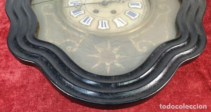 Relojes de pared: RELOJ DE PARED. OJO DE BUEY. ESTILO ISABELINO. MAQUINA PARÍS. SIGLO XIX. - Foto 4 - 183095570