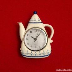 Relojes de pared: RELOJ DE COCINA CON FORMA DE CAFETERA.. Lote 183532757