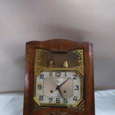 Relojes de pared: ANTIGUO RELOJ DE PARED AUTÓMATA HOMBRE TOCANDO LA CAMPANA. Lote 183571205