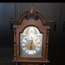 Relojes de pared: PRECIOSO RELOJ DE PARED TEMPUS FUGIT, FUNCIONANDO. Lote 183927350