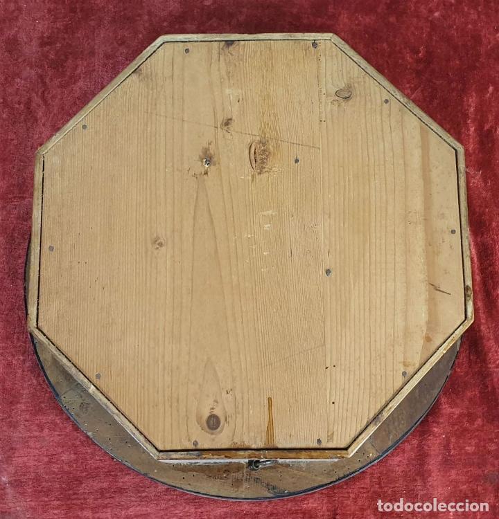 Relojes de pared: RELOJ DE PARED. OJO DE BUEY. MAQUINARIA PARIS. MUEBLE DE MADERA. SIGLO XX. - Foto 8 - 183997911