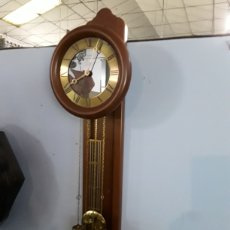 Relojes de pared: RELOJ DE PARED FUNCIONANDO. Lote 184691643