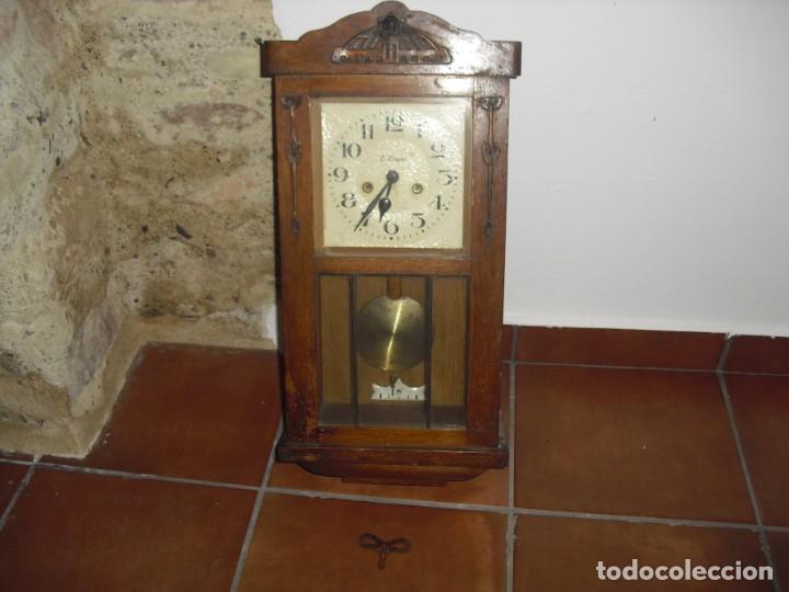 ANTIGUO RELOJ DE PARED FUNCIONANDO (Relojes - Pared Carga Manual)
