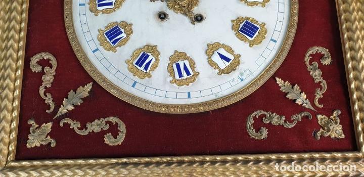 Relojes de pared: RELOJ ESTILO ISABELINO. MAQUINARIA FRANCESA. ESFERA DE ALABASTRO. SIGLO XIX. - Foto 11 - 186319543