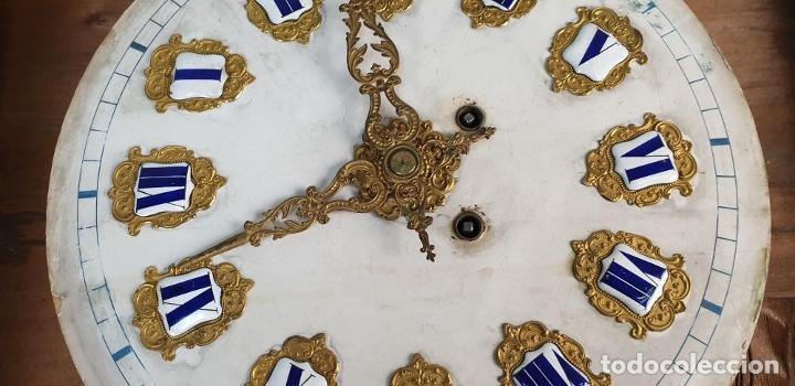 Relojes de pared: RELOJ ESTILO ISABELINO. MAQUINARIA FRANCESA. ESFERA DE ALABASTRO. SIGLO XIX. - Foto 16 - 186319543