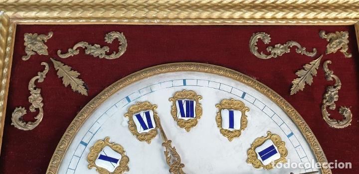 Relojes de pared: RELOJ ESTILO ISABELINO. MAQUINARIA FRANCESA. ESFERA DE ALABASTRO. SIGLO XIX. - Foto 22 - 186319543