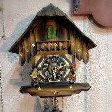 Relojes de pared: RELOJ DE CUCO CASITA. ORIGINAL SELVA NEGRA DE LOS 70. FUNCIONANDO PERFECTAMENTE.. Lote 187091652