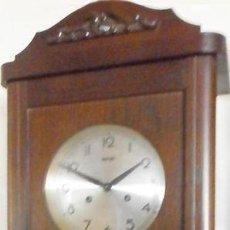 Relojes de pared: RELOJ DE PARED FRANS HERMLE MADERA DE ROBLE MEDIADOS DEL SIGLO XX SONERIA , HORAS Y MEDIAS CON AVISO. Lote 187589336