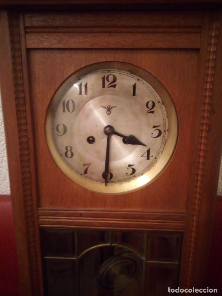 Relojes de pared: antiguo reloj carga manual fms alemania,funcionando con su llave original,puerta con vidriera - Foto 3 - 189141605
