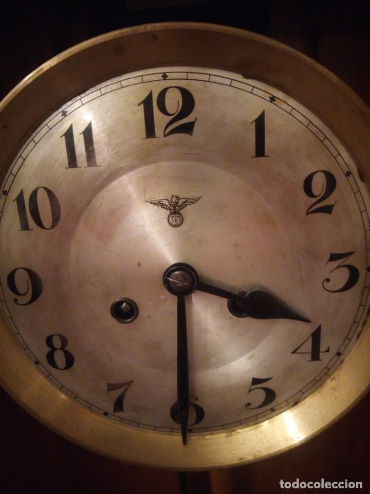 Relojes de pared: antiguo reloj carga manual fms alemania,funcionando con su llave original,puerta con vidriera - Foto 4 - 189141605