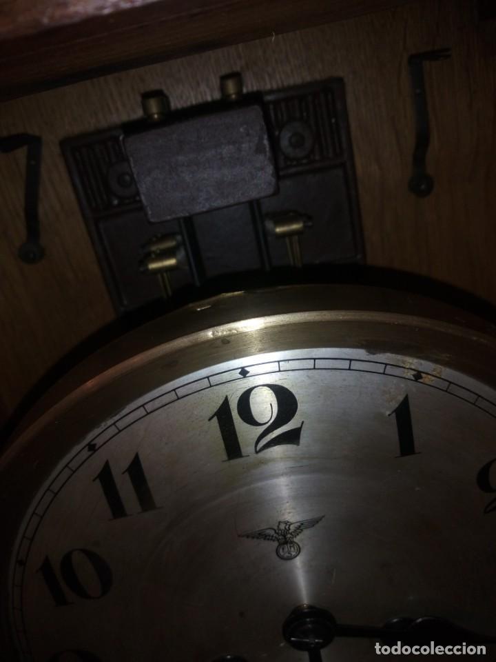 Relojes de pared: antiguo reloj carga manual fms alemania,funcionando con su llave original,puerta con vidriera - Foto 7 - 189141605