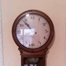Relojes de pared: RELOJ DE LA DESAPARECIDA CASA JOSÉ BAENA. Lote 189612720