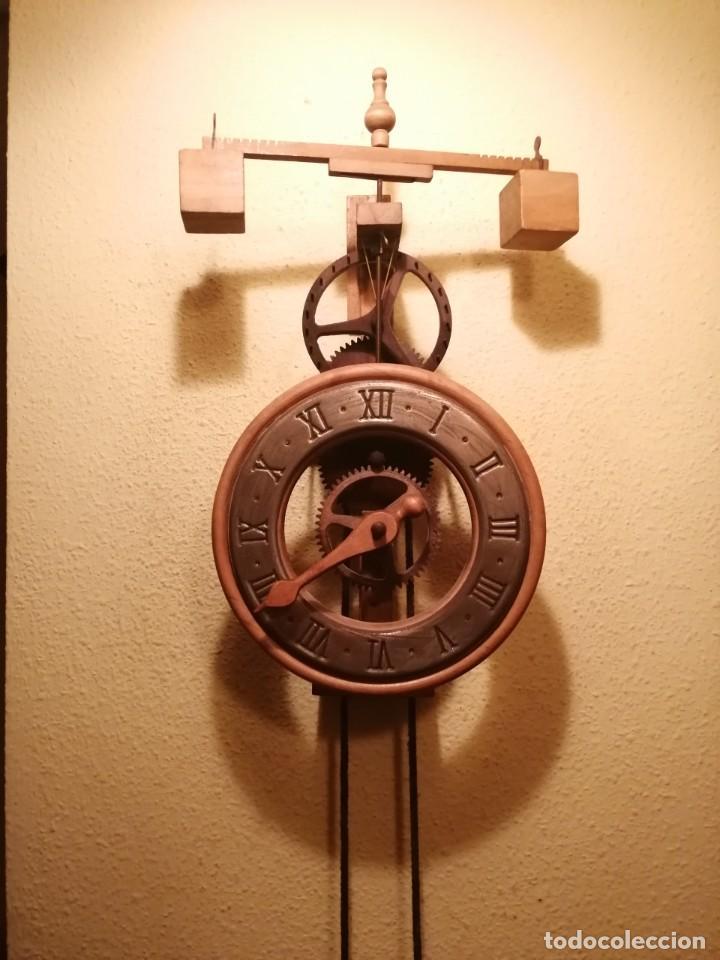 RELOJ ESQUELETO DE MADERA MODELO MEDIEVAL DEL SIGLO XIV DEL PRESTIGIOSO FABRICANTE ESPAÑOL ARDAVIN . (Relojes - Pared Carga Manual)