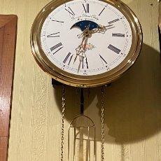 Relojes de pared: RELOJ MOREZ - ODOBEZ CON FASE LUNAR. Lote 190646365